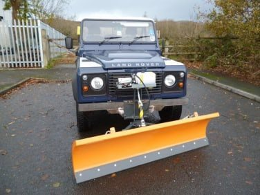 FRONT MOUNTED SNOW BLADE